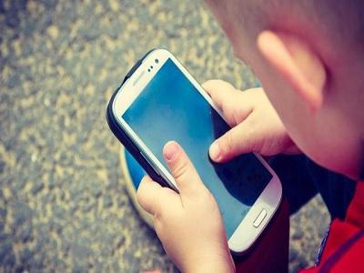 Orangtua Harus Tahu! Gangguan Mata Anak Karena Kelamaan Main Gadget