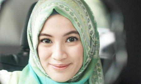 Tips Alysa Soebandono Untuk Membuat Jilbab Awet