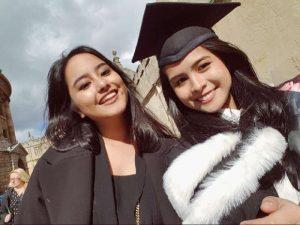 Tips Maudy Ayunda Menjalani Dua Profesi
