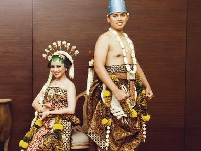 Wow Keren! Inspirasi Tampil Ningrat Dengan Pernikahan Adat Jawa