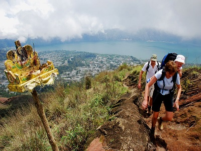Ingin Mendaki Gunung Agung, Jangan Abaikan Pantangan Ini