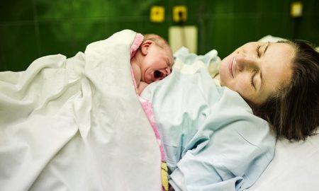 Bayi Terlahir Prematur, Begini Cara Merawat Dengan Metode Kangguru